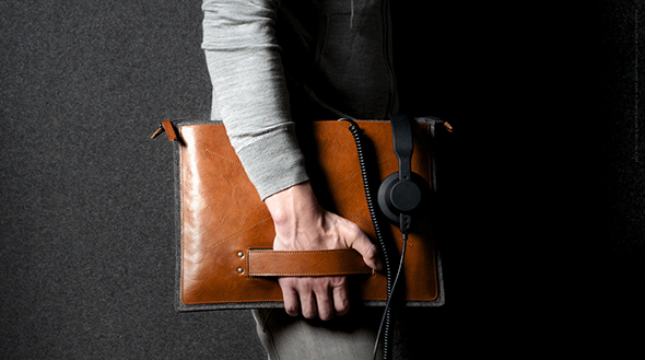 Grab-Laptop-Folio-Heritage-04